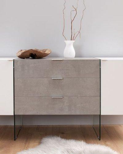buffet-design-160-cm-a-3-tiroirs-et-2-portes-en-mdf-coloris-blanc-et-beton-avec-pietement-en-verre-1.jpg