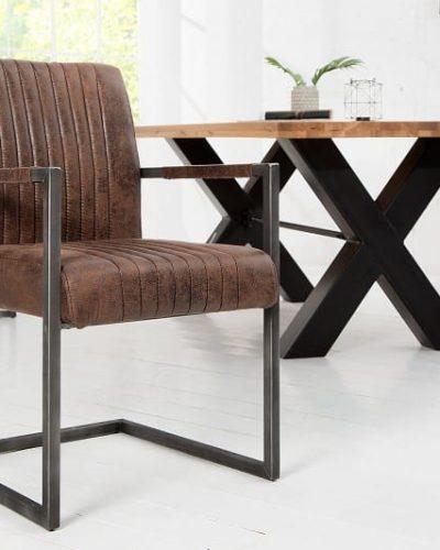 chaise-a-bras-coloris-marron-style-vintage.jpg