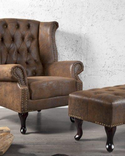 fauteuil-chesterfield-a-oreilles-en-coloris-marron-look-antique-1.jpg