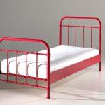 lit-90x200-cm-en-metal-pour-1-personne-coloris-rouge-1.jpg