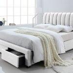 lit-adulte-design-en-simili-cuir-coloris-blanc-140-x-200-cm.jpg
