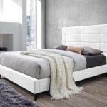 lit-design-de-140-x-200-cm-en-simili-cuir-blanc.jpg