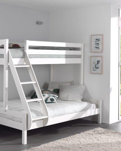lit-superpose-pour-3-personnes-coloris-blanc.jpg
