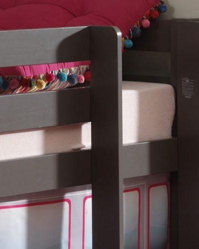 lit-sureleve-enfant-en-pin-coloris-gris-taupe-1.jpg