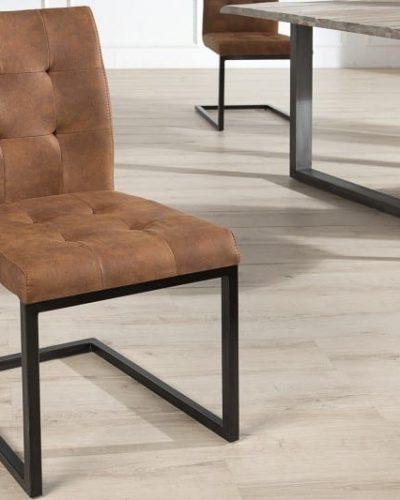 lot-de-4-chaises-design-capitonnees-de-couleur-cognac-en-microfibre.jpg
