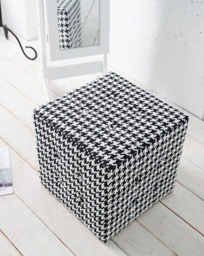pouf-design-carre-en-polyester-motif-pied-de-poule-coloris-noir-et-blanc-1.jpg