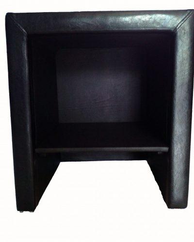 table-de-chevet-en-simili-cuir-noir.jpg